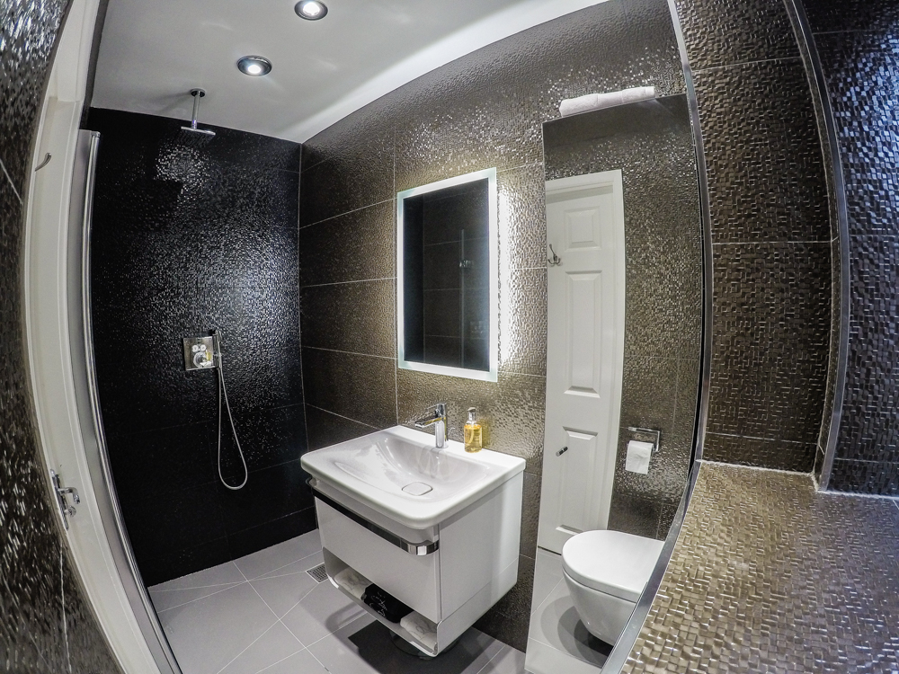 Boutique wetroom small wetroom ideas cheshire tiling for Ensuite bathroom designs uk